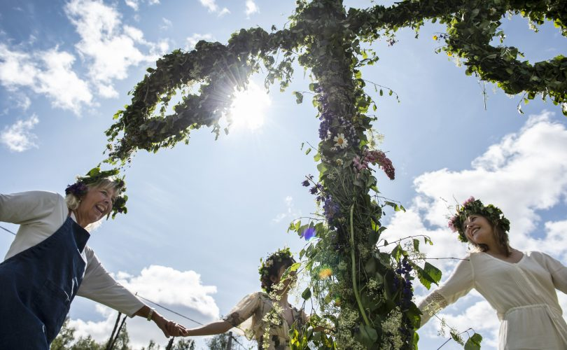 Midsommar la gran fiesta del verano. Fotógrafo: Anna Hållams /https://imagebank.sweden.se/
